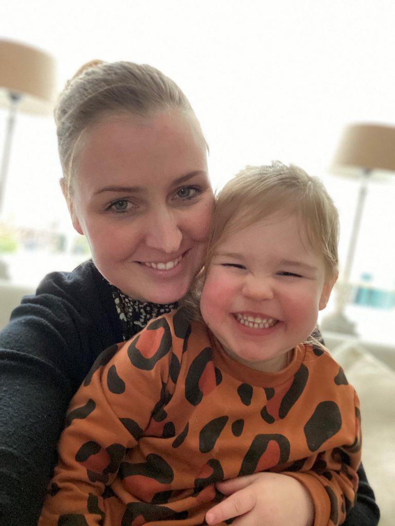 Nadine en Fem nu - 2,5 jaar na natuurlijke stuitbevalling