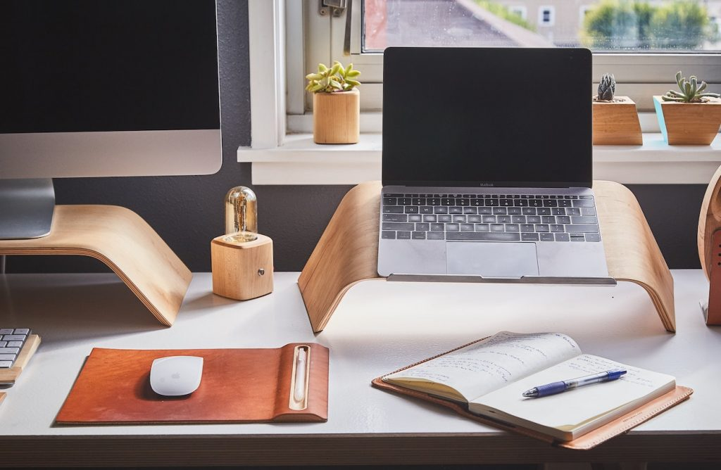 7x tips voor een goede werkhouding tijdens het thuiswerken
