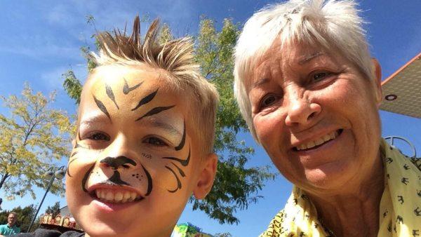 Ria en haar kleinzoon - Ria had nog maar kort te leven, maar leeft nog steeds