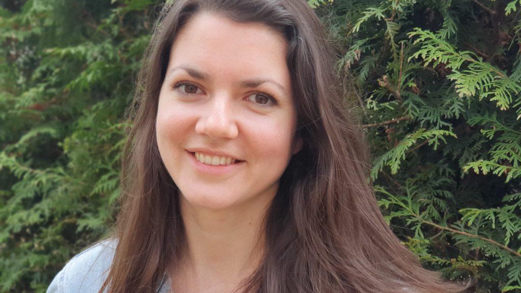 Angela (29) richt jongerengroep op tegen eenzaamheid