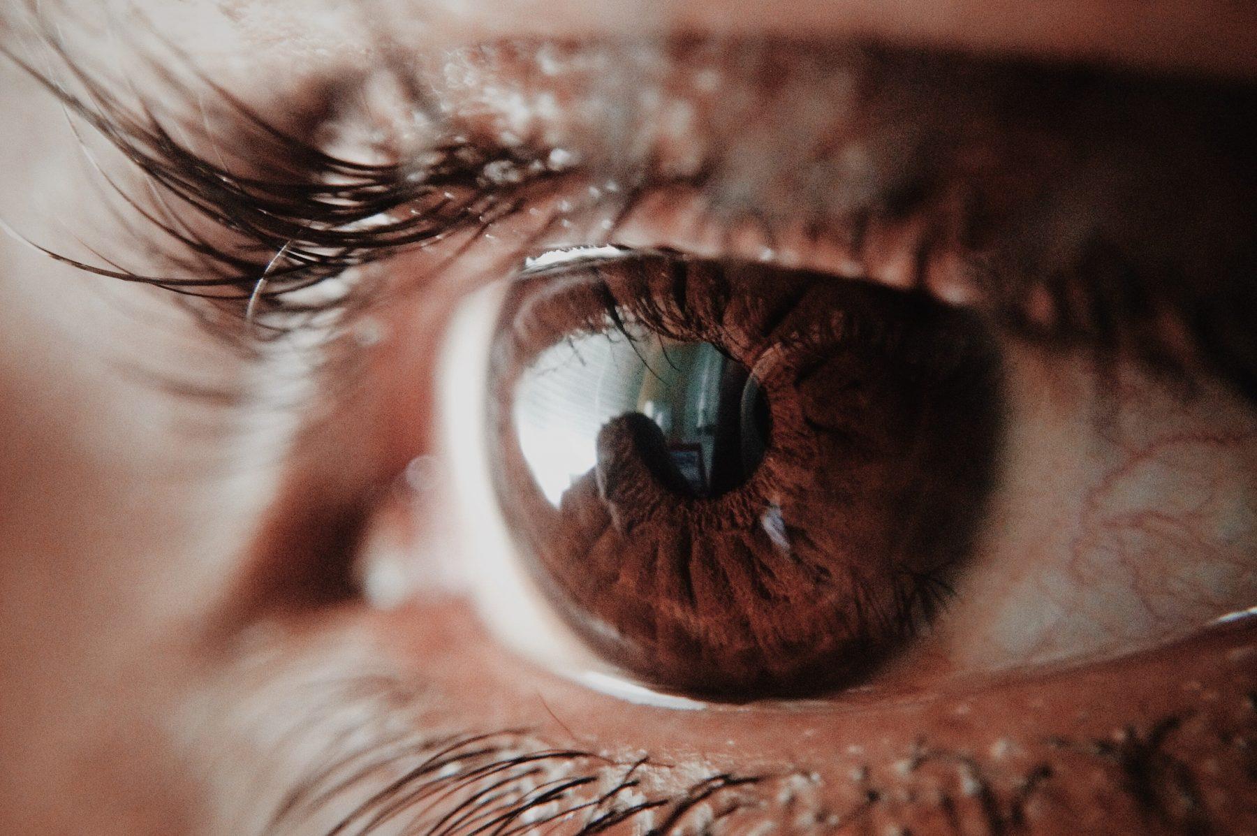 LINDA.test wimperverf: 'Twee ogen tegelijk is niet te doen'