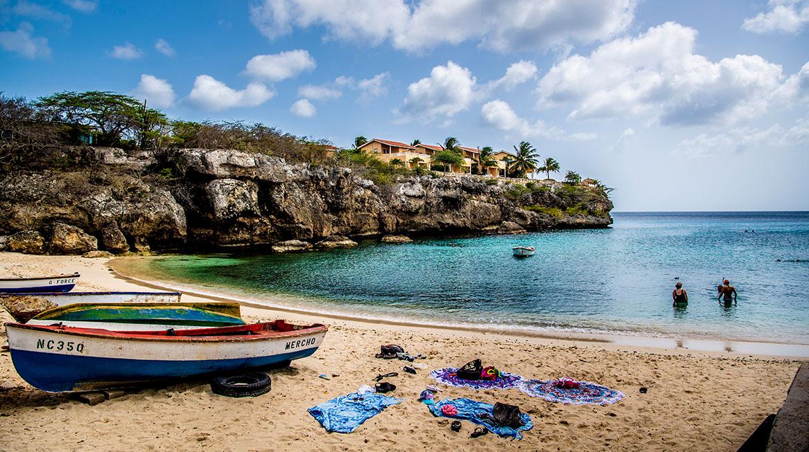 het strand curacao regels versoepeld covid 19 coronavirus liveblog