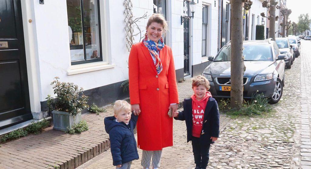 Pauline s Peuter Parade kijken