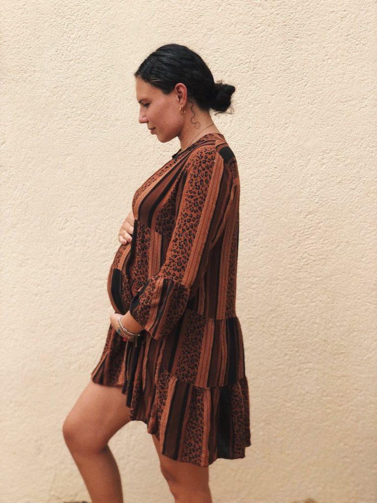 Dewi twee dagen voor de bevalling in Frankrijk