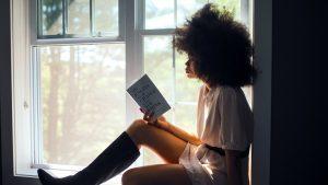 Met deze boekentips van onze redactie kom jij de zomer door