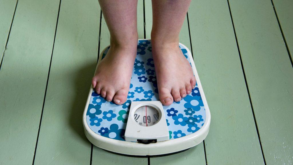 kind weegschaal obesitas een op de vijf kinderen medische oorzaak
