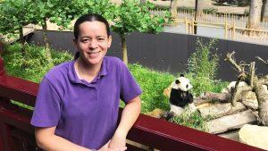 Brenda is pandaverzorger en ja dat is écht de beste baan van de wereld
