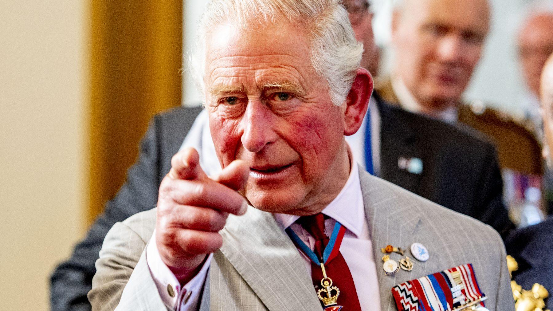 Het bureau van prins Charles is een bende, Twitter analyseert de boel