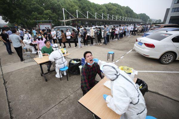 In Chinese stad Wuhan geen nieuwe coronagevallen na tests