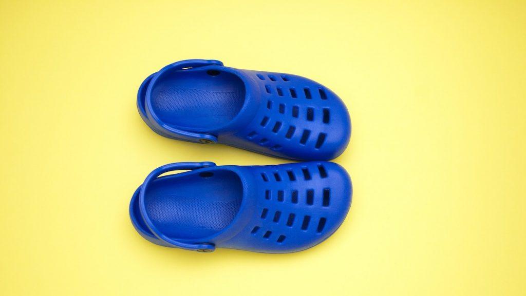 De comeback van de rubberen klomp: Crocs