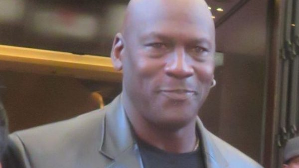 Michael Jordan doneert komende tien jaar 100 miljoen dollar