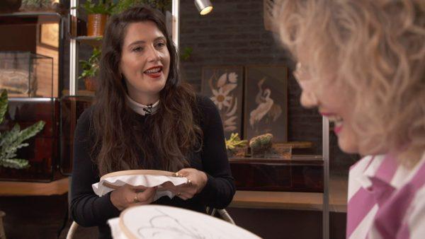 Bho Roosterman en Tina de Bruin borduren een kleurrijke clitoris
