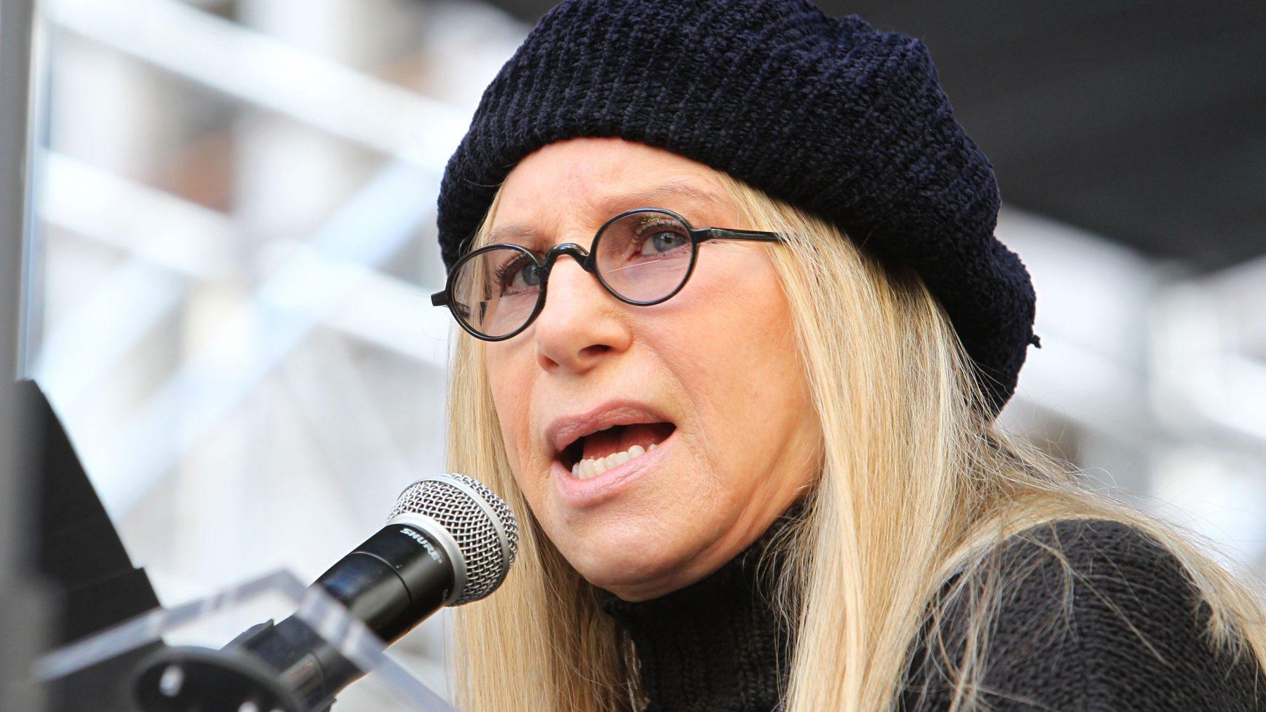 Barbra Streisand geeft Disney-aandelen aan dochter George Floyd