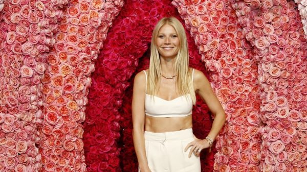 Daar zit een luchtje aan: Gwyneth Paltrow 'komt' nu ook met orgasmekaars