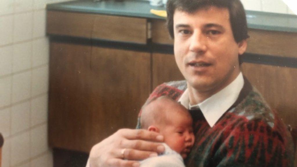 Anneke herdenkt haar vader: 'Ooit hoop ik je weer te zien, dan doen we samen dat biertje'
