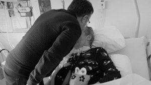 Vader en moeder na coma