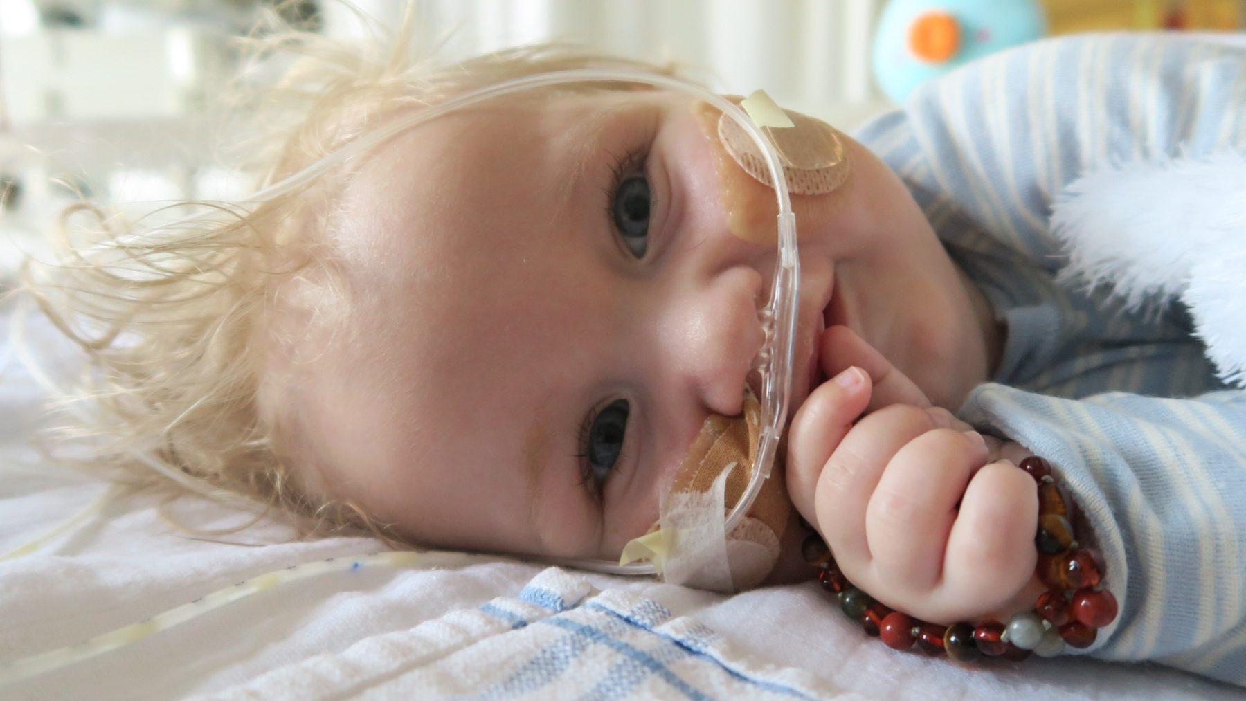 Goed nieuws voor zieke baby Jayme: behandeling kan worden gestart