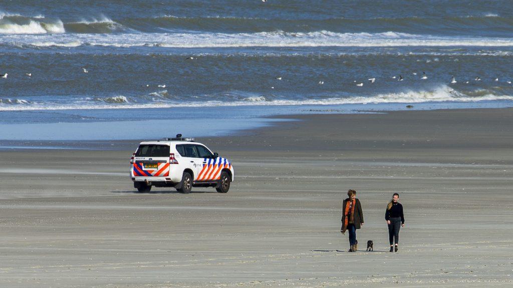 zoektoch vermist 14-jarig meisje noordzee hervat zondagochtend noordzee ameland