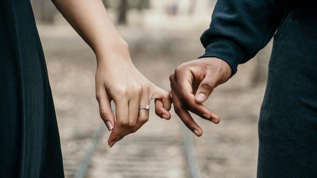 Getrouwd, een kind en niet samenwonen: 'Daar vinden mensen wat van'