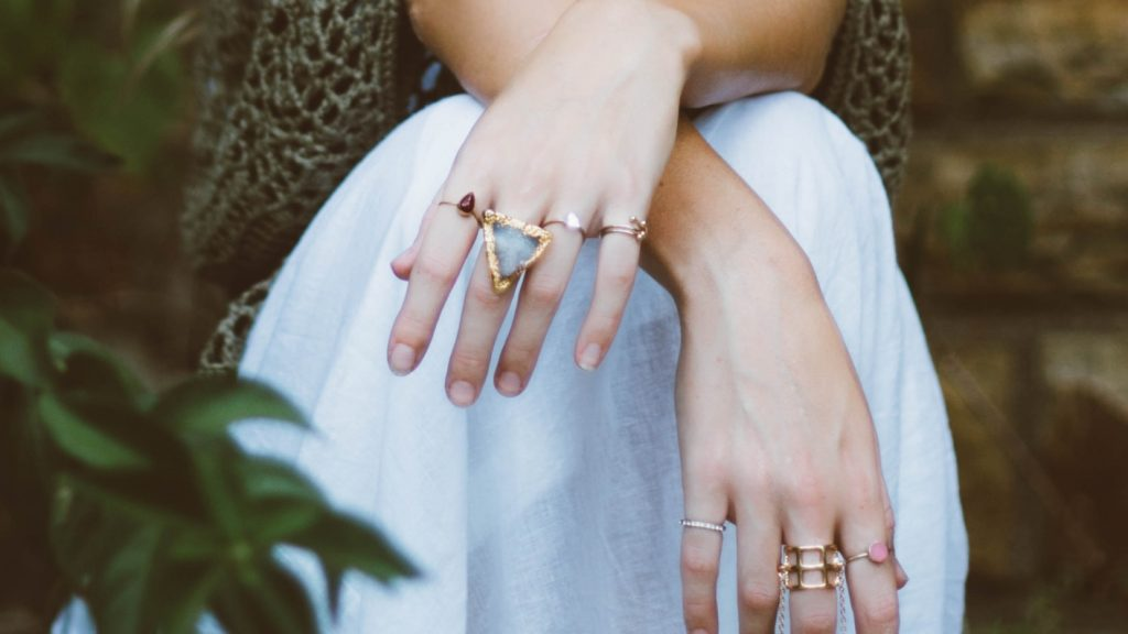 Blinkend zilver en stralend goud: sieraden poetsen doe je zo