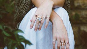 Thumbnail voor Blinkend zilver en stralend goud: snelcursus sieraden poetsen