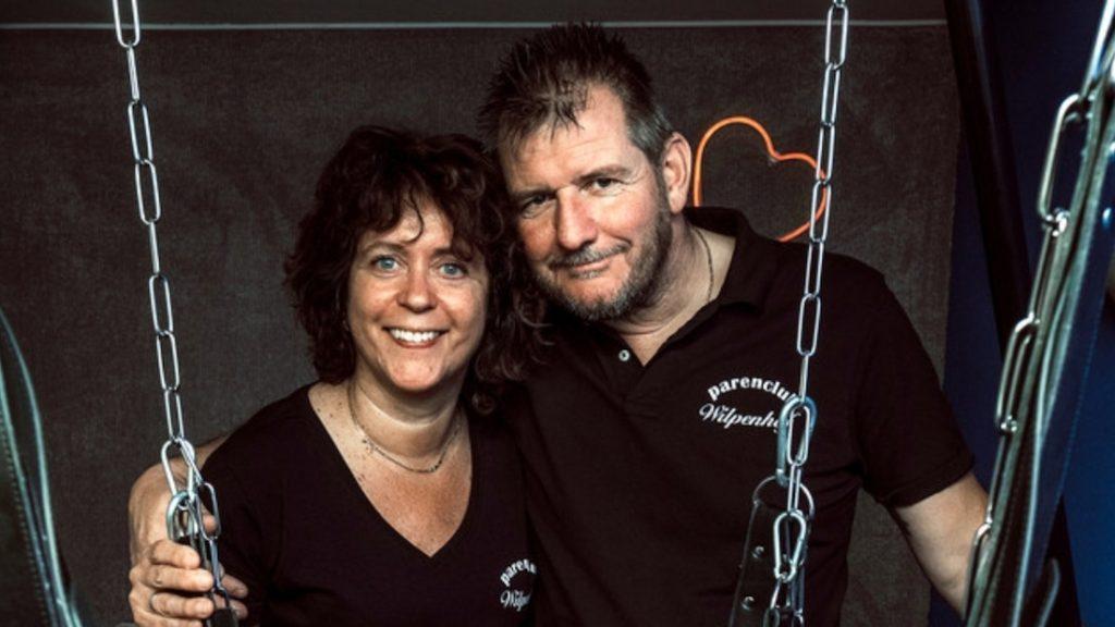 Tineke en haar man runnen een parenclub: 'Het is ook gewoon zakendoen'