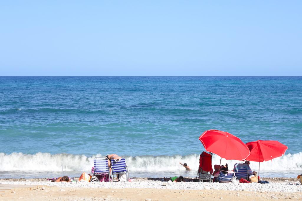 Veilig bakken aan de Costa Brava: Spanje zegt coronavirus onder controle te hebben