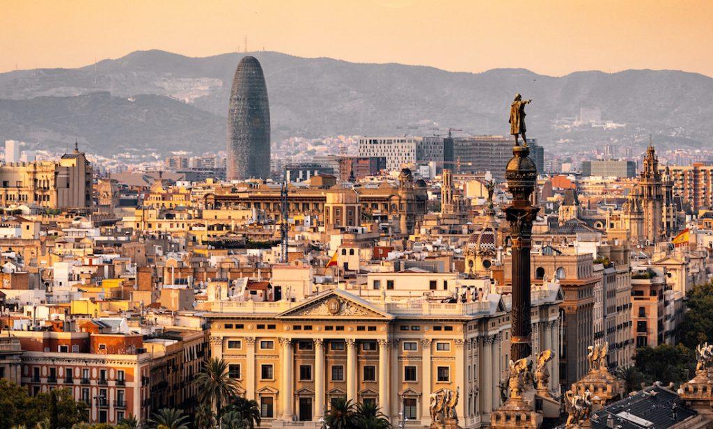 Reizigers naar Barcelona opgepast: reisadvies verschoven naar oranje
