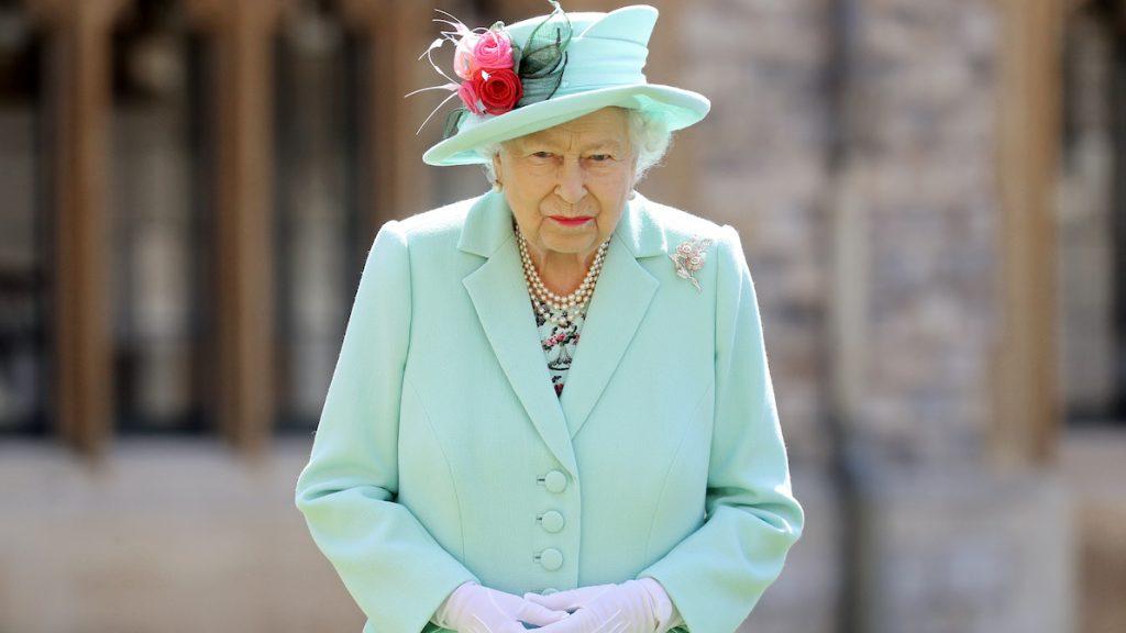 Koningin Elizabeth verkast naar Schotland tijdens onrustige zomer