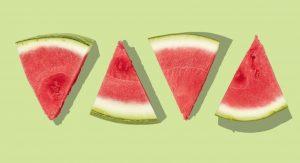 Bizar: deze 'biefstuk' van watermeloen lijkt nét echt en is nog lekker (vegetarisch) ook meloen