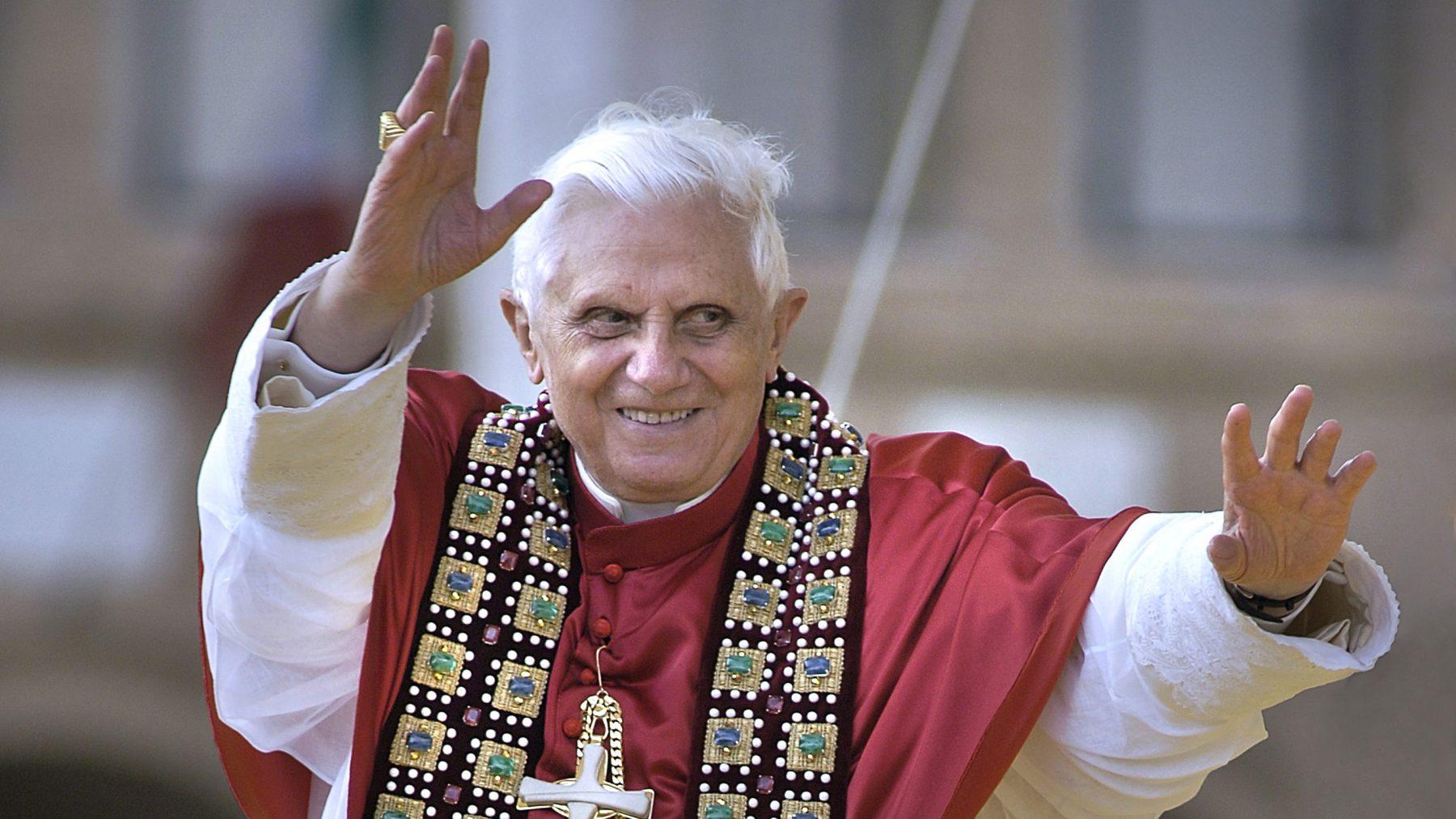 Paus Benedictus XVI ernstig ziek