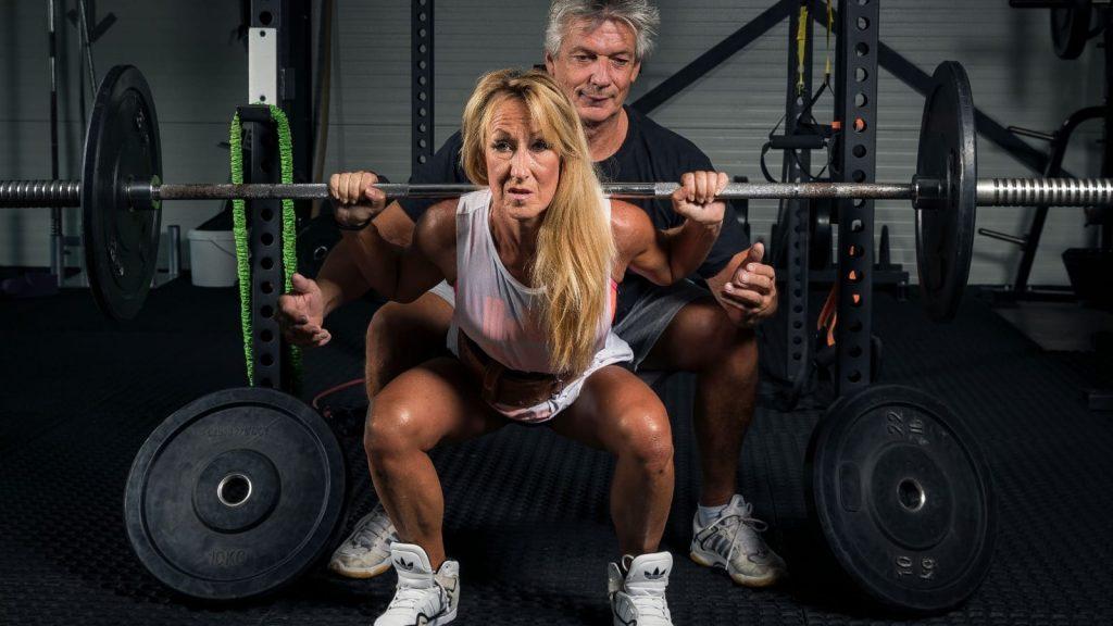 'Powergran' Willie Heuser (62) doet aan bodybuilding: 'Je bent nooit te oud om te beginnen'