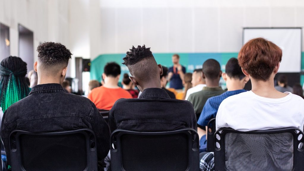 Campagne coronagevaar onder studenten