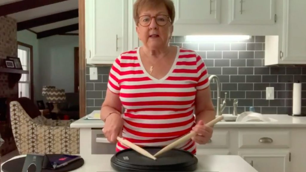 Deze vrouw gaat drummend viraal: 'Is dit de nieuwe Orgel Joke?'