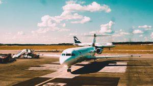 vliegtuigen aan de grond vs corona