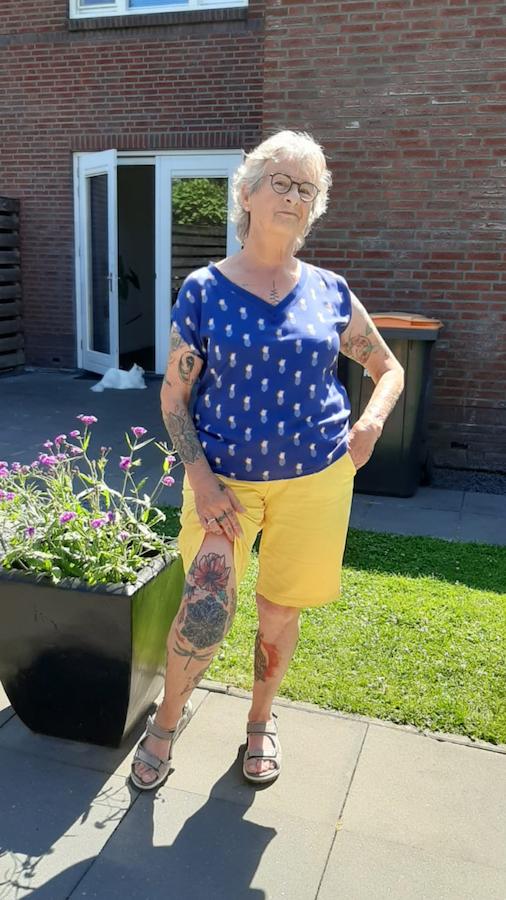 Diny Bogerd (78) is dol op tattoeages: 'Het loopt inmiddels de spuigaten uit' 3