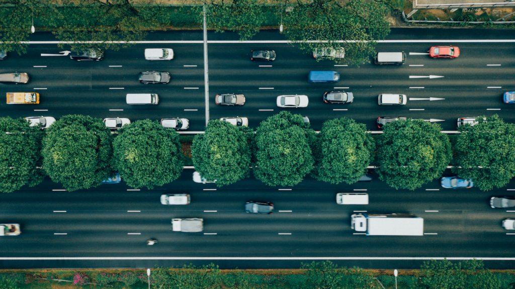 Auto, auto, auto, file_ ANWB waarschuwt voor grote verkeersdrukte