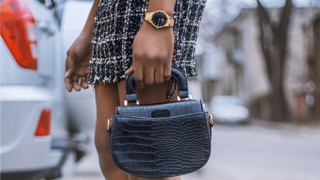 Beleggen in designertassen: het kan, maar dan mag je hem niet dragen