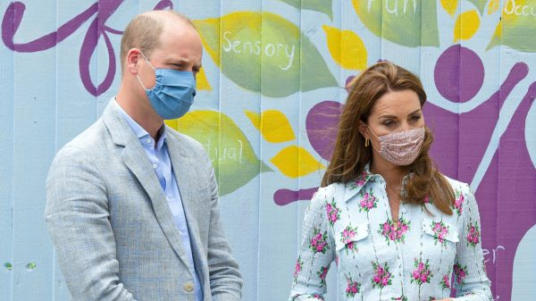 William en Kate worden gewezen op hun 'bloody shitty' bingokunsten