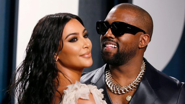Video: Kanye West geniet van vakantie met gezin na moeilijke periode