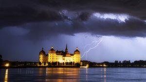Hittegolf maakt dit weekend plaats voor onweer met hagel en wind