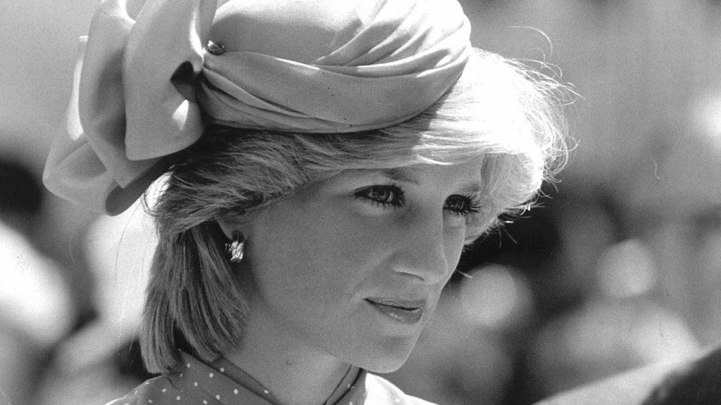 Bruidsmeisje Diana en Charles ook op 'sekseiland' van Epstein_ 'Ik heb veel geluk gehad'