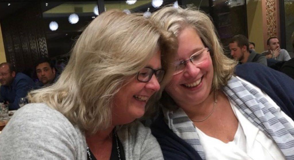 Karin herdenkt haar zus Ellen: 'Juist zij zou willen dat we het leven blijven vieren'