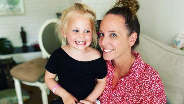 Lizette en Charlie nu - Lizette had haar bevalling zonder haar man