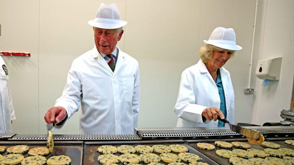 Charles en Camilla delen recept van 'Welsh cakes'