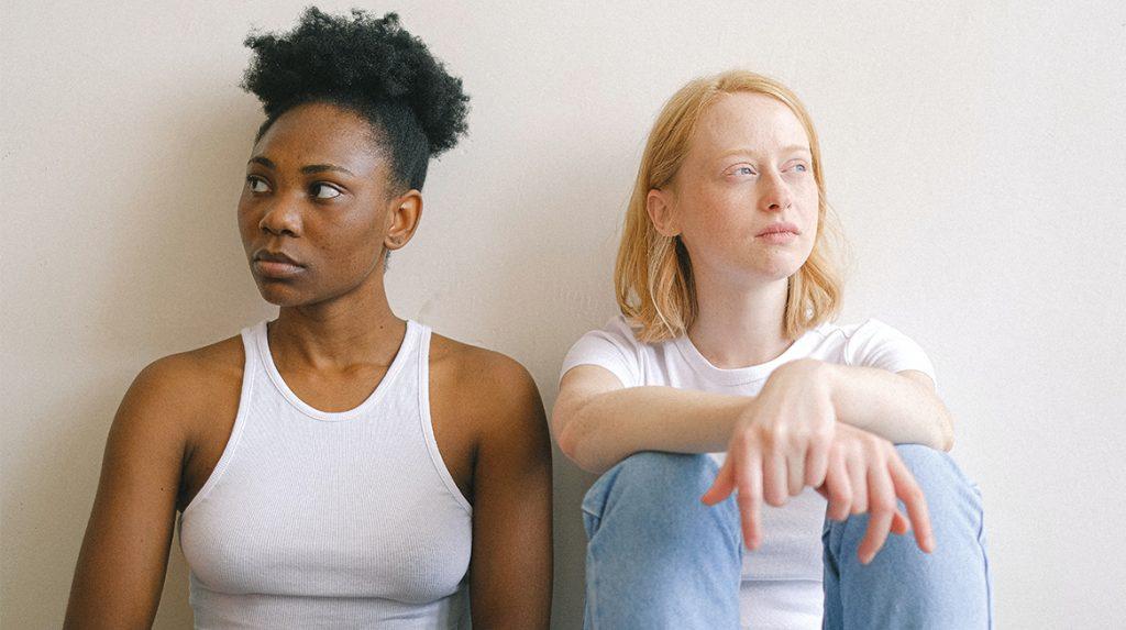 Relatietherapeut over het 'uit' maken met je beste vriendin- 'Net zoals bij liefdespartners'