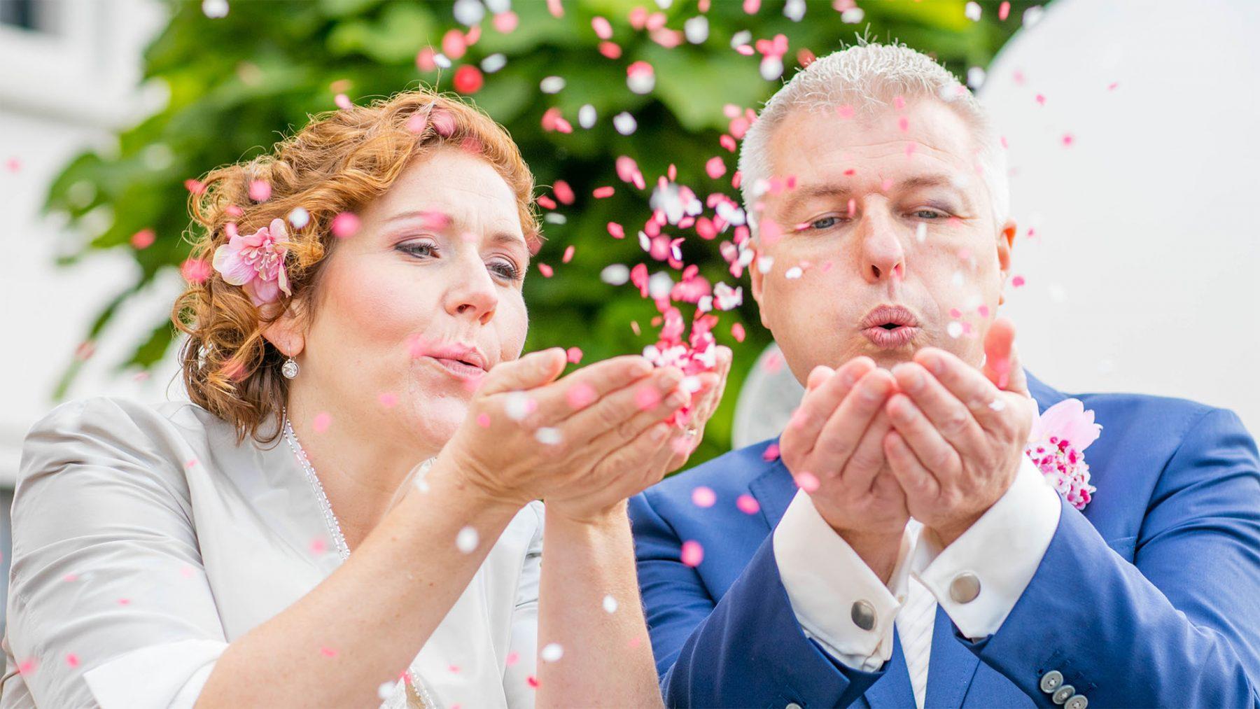 Saskia 'Mijn trouwdag ? Door je rug gaan, flauwvallen én een blauw oog'