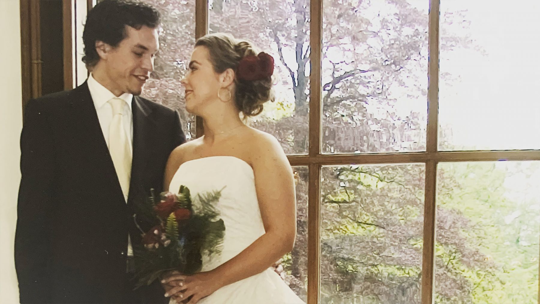 Rosalie had driedubbel pech op haar trouwdag: 'Toen waren we oma ook nog kwijt'