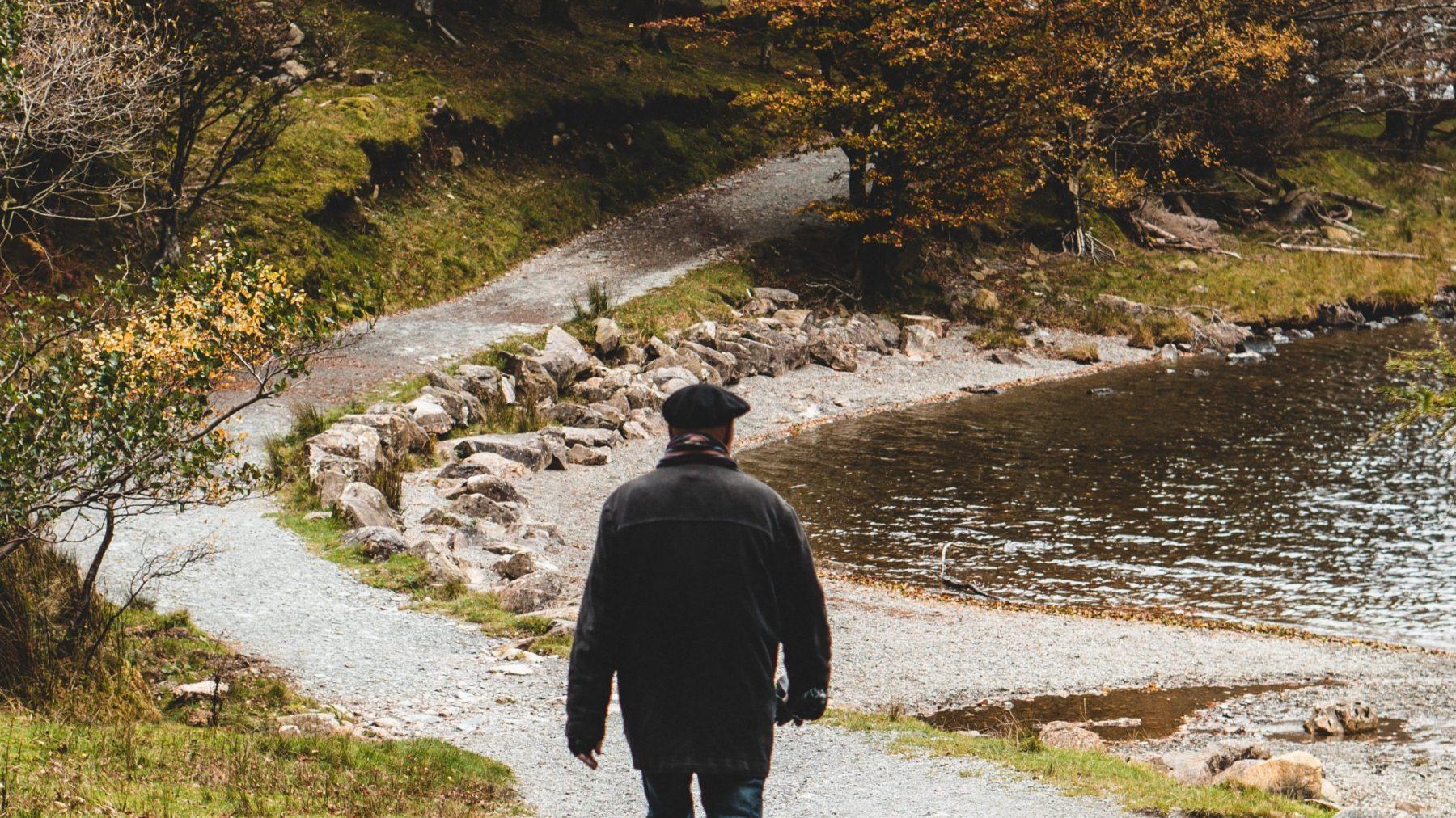 Vermist Harry (80) wandelt persconferentie over zijn eigen verdwijning binnen