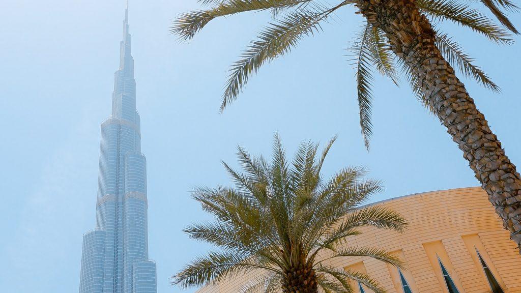Stelletje huurt de Burj Khalifa af voor decadente gender reveal